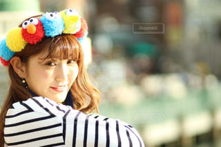 近くの帽子をかぶっている女性の写真・画像素材[920620]