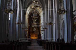 教会とシャンデリアの写真・画像素材[1156314]