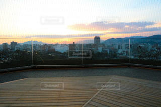 夕暮れ時の都市の景色の写真・画像素材[935187]