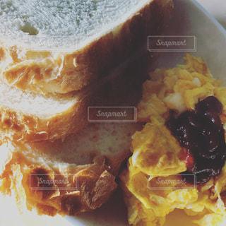 朝ごはんの風景の写真・画像素材[1031166]