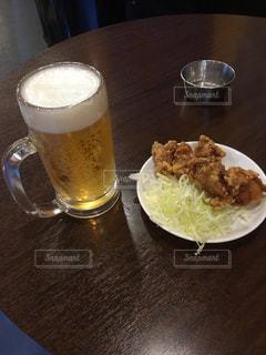 食べ物やビール、テーブル - No.1074189