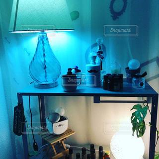 キッチン カウンター上の花瓶 - No.875761