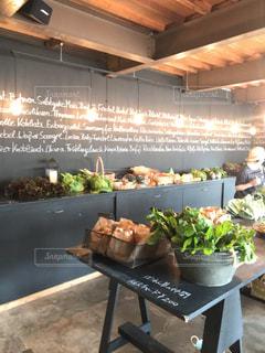 食品の完全なテーブルの写真・画像素材[1630573]
