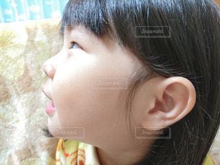 横顔の子供の写真・画像素材[810184]