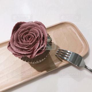 バラのカップケーキの写真・画像素材[875405]