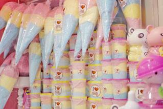 プラスチック製のおもちゃのグループの写真・画像素材[902098]