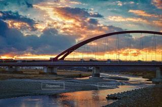 夕暮れの河川敷の風景の写真・画像素材[847682]