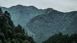山の稜線の写真・画像素材[2125114]