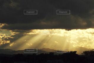 夕暮れの空の写真・画像素材[2125119]