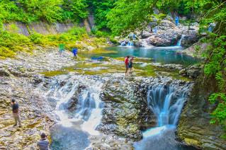 大きな滝の写真・画像素材[853943]