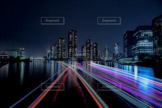夜の高速道路の写真・画像素材[855730]