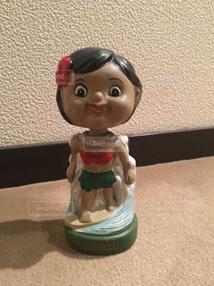 ハワイのレトロなフラダンス人形の写真・画像素材[772696]
