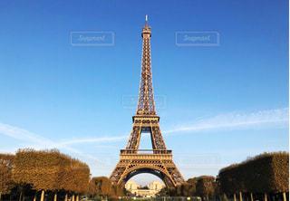 新婚旅行にて🇫🇷エッフェル塔の写真・画像素材[1626018]