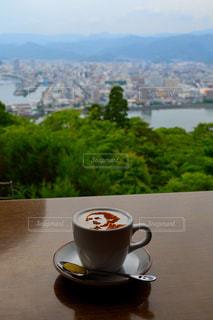 コーヒーと水のガラスのカップの写真・画像素材[1640889]
