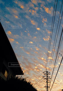街に沈む夕日の写真・画像素材[752770]
