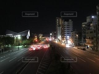 2号線を行き交う車の写真・画像素材[1160632]