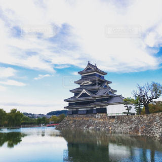 青空と松本城の写真・画像素材[2113933]
