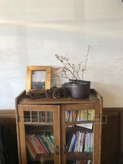 本棚は本でいっぱいの写真・画像素材[989057]