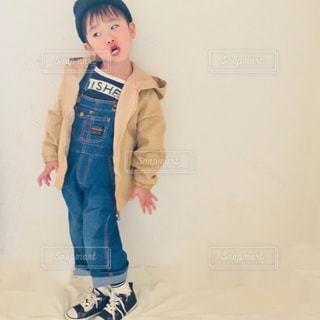 若い男の子は衣装に身を包んだの写真・画像素材[1022365]