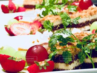 食品のプレートの写真・画像素材[1129991]