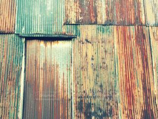 錆びたトタンの壁の写真・画像素材[1060638]