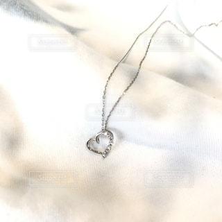 ハートのネックレスの写真・画像素材[986242]