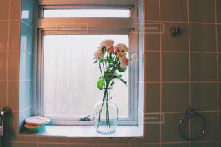 バスルームにもお花をの写真・画像素材[987028]