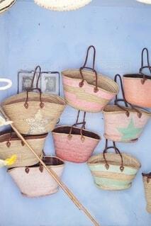 モロッコのシャウエンで見つけたおしゃれなバッグの写真・画像素材[4008314]
