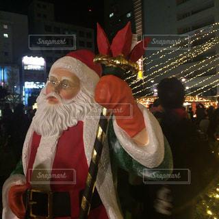 クリスマスマーケットのサンタクロースの写真・画像素材[917241]