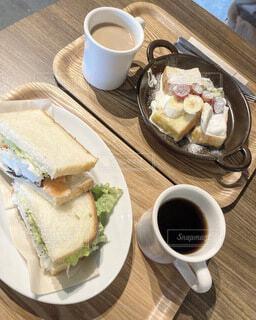 サンドイッチ フレンチトースト コーヒー モーニング カフェの写真・画像素材[4035243]