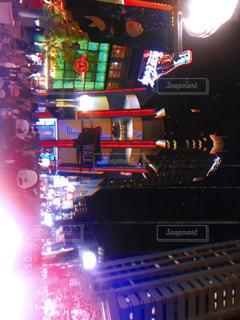 夜のライトアップ・シティの写真・画像素材[2096812]
