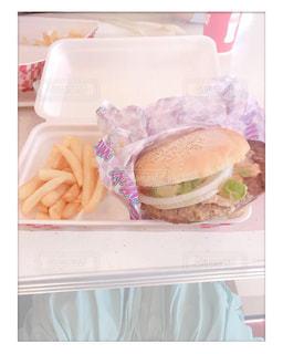 食べ物のトレーの写真・画像素材[2096836]