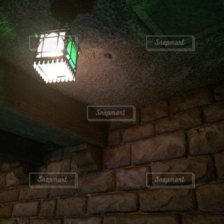 れんが造りの建物上の標識の写真・画像素材[851511]