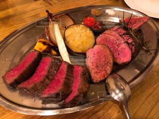 炭火焼きステーキの写真・画像素材[941780]
