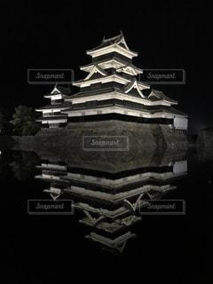 夜の松本城の写真・画像素材[785938]