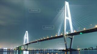 水の体の上の橋の写真・画像素材[817534]