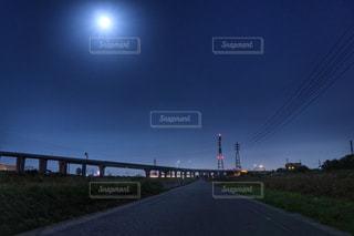 深夜の景色の写真・画像素材[851687]