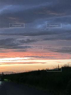 モーレツな夕焼けの写真・画像素材[734537]