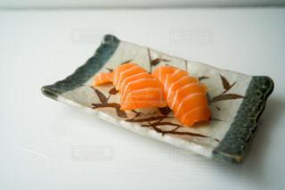 とろサーモンの握り寿司2巻の写真・画像素材[3498363]