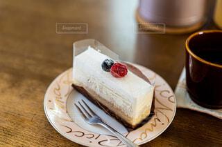 チーズケーキとコーヒーの写真・画像素材[4442835]