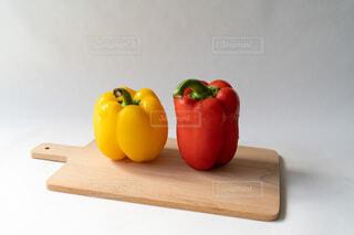 2色のパプリカの写真・画像素材[4643733]