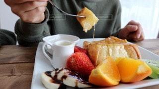 食事中の写真・画像素材[3141671]