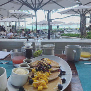 Hawaii ベランダの朝食の写真・画像素材[2323999]