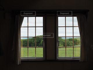 窓の写真・画像素材[3320084]