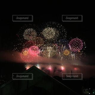 夜空の花火の写真・画像素材[1699813]