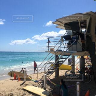 ワイキキビー ハワイ 海 夏 surf サーフボードの写真・画像素材[1350511]