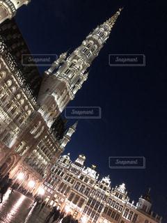 クロック タワーは夜ライトアップの写真・画像素材[1058126]