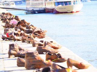 ドナウ川の靴のオブジェの写真・画像素材[743539]