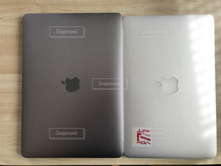 MacBookとMacBookAir (11inch)の比較 - No.748998