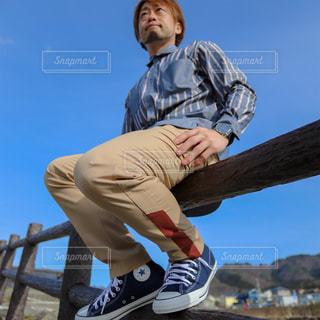 スケート ボードでトリックをしている男の写真・画像素材[1760924]
